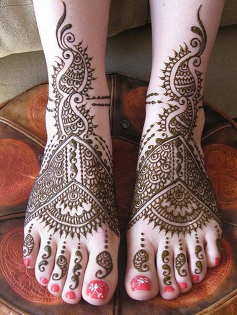 Mehndi Design Arabic on Feet