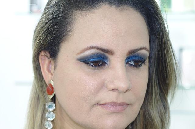 eyeliner for big eyes