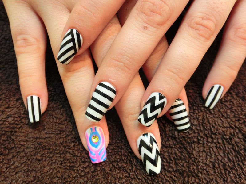 Easy Nail Designs with Zigzags