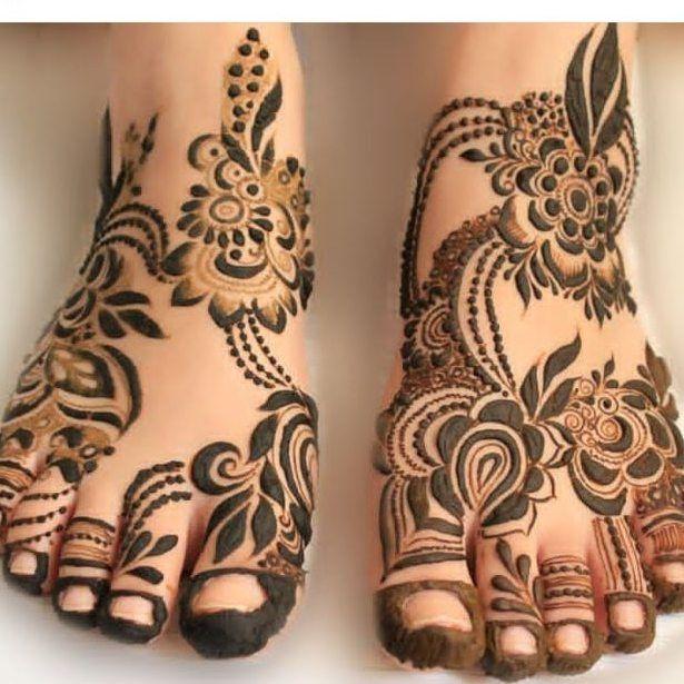 Khafif Foot Mehendi Design