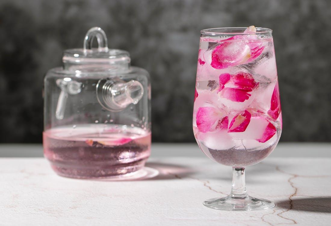 गुलाब जल के फ़ायदे