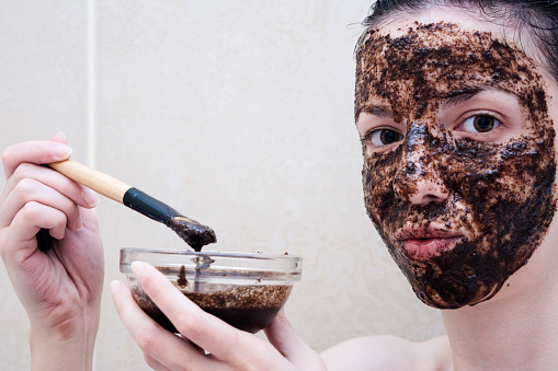 How to tighten skin on face